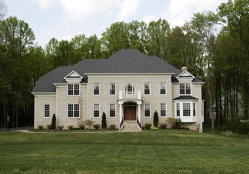 Luxury Virginia suburban home on large lot listed for sale with flat fee mls listing service
